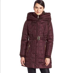 Kensie hooded belted down puffer jacket - M